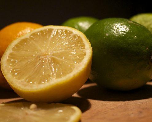 Zitronen und Limonen